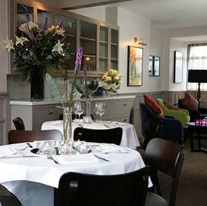 Cha ne des r tisseurs the french table for The french table 85 maple road surbiton surrey kt6 4aw